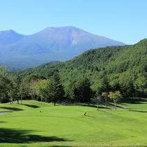 *ゴルフコース一例/浅間山をバックに爽快感溢れるコース!