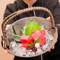 【人気の別注料理】地まぐろのお造り 2、000円(税別)