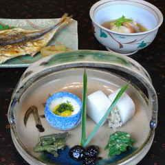 【食事付き基本プラン】和食コース料理を露天付離れのお部屋で (PC)