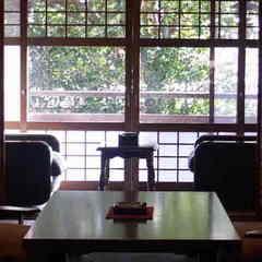【一泊夕食】 温泉の露天風呂付離れでごゆっくりお過ごし下さい 夕食は定番の和食コースCをお部屋で