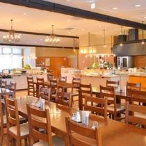 レストラン『ステラモンテ』お子様用の椅子・食器もご用意しております。