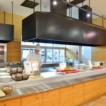 レストラン『ステラモンテ』お客様の目の前で作るオープンキッチン