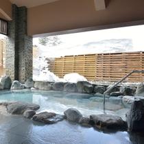 【石の湯】露天風呂 =春= 雪解けの「石の湯」露天風呂
