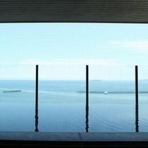 水平線を見ながら、癒しの時間を・・・展望大浴場(イメージ)