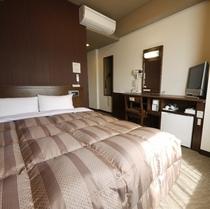 【スタンダーセミダブル】140センチ幅ベッドでリーズナブルにご宿泊いただけます。もちろん機能も充実!