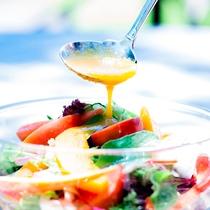 □朝食のフレッシュなサラダ