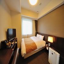 ◆セミダブルルーム 15㎡ ベッドサイズ140cm×205cm