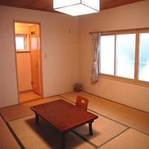 *和室10畳一例/シャンプードレッサー&トイレ付きで人気のあるお部屋です。