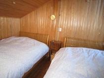 客室内 2ベッド寝室