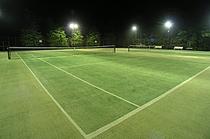 テニスコート夜