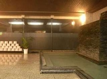 大浴場。南勢桜山温泉の湯で疲れを癒そう