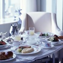 ルームサービス朝食