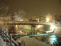 冬の中橋 夜のライトアップ