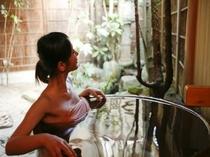 麗雅の間(15号室)の露天風呂