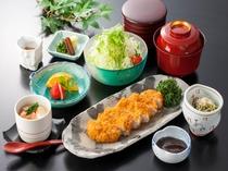 日本料理 「御河」 みそかつセット (宿泊者限定メニュー)