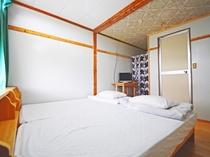 【洋室ツイン】シンプルなお部屋で過ごしやすいです