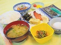 【朝食の一例】地元の味が楽しめるお料理
