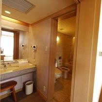 ◇スイートルーム◇バスルームと洗面所