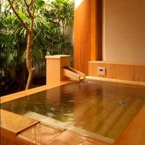 客室露天風呂は檜タイプと石タイプがございます【Cタイプ】