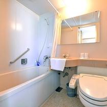 *洋室ツイン(客室一例)/全室バス&トイレ完備いたしております。