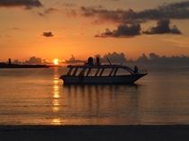 【茶花海岸の夕日】ホテルより徒歩圏内♪穏やかなビーチです