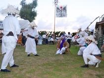 【与論十五夜踊り】龍神に雨乞いをし、五穀豊穣、人畜の繁栄を祈願