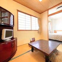 *【部屋/和洋室】洋室の他に4畳の和室付き。畳の上で足を伸ばしてお過ごしいただけます