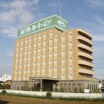 JR水戸線下館駅から車で約5分、無料平面駐車場92台完備(先着順)