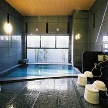 男性大浴場【大浴場ご利用時間】15:00〜2:00、翌朝5:00〜10:00