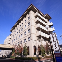 近隣の店舗であるホテルルートイン結城は車で約20分程の距離です。