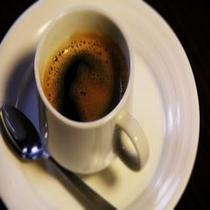 ご到着後にはフロントロビーにてセルフカフェをお召し上がり下さいませ。