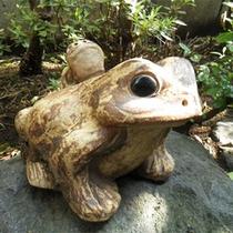 *露天風呂/かわいいカエルがお出迎え♪広い空を眺めながら湯浴みをどうぞ。