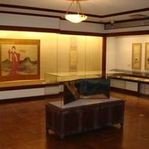 *竹久夢二記念館(内部)/竹久夢二氏の作品はもちろん、オルゴール等の展示も行っています