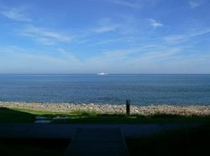 施設目の前の海です。