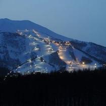 ◆夕暮れ時のナイタースキー場