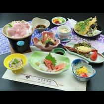 当館1番人気のスタンダードプランのお食事一例です。