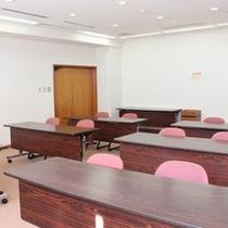 無線LAN、ホワイトボード完備の会議室