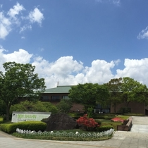 【茨城県近代美術館】当館から23km。ルノ・ワールや横山大観など国内外の美術絵画を展示