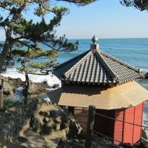 【六角堂】当館から67km。日本の思想家、岡倉天心が明治時代に造った建物