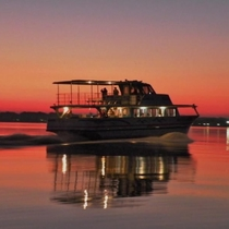 【霞ヶ浦】当館から66km。帆引き船は遊覧船で湖上から眺めることができます