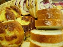 朝食のパン 2