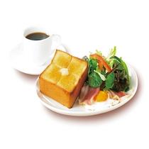 【朝食一例】ベーコンエッグ&厚切りトースト