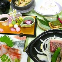 【松会席】料理長厳選の地産地消、旬のお料理13品。折角の旅行はちょっと贅沢されたい方、お祝い事などに