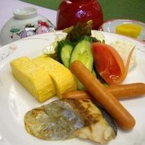 幼児朝食(525円)の一例