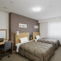 ◆ツインスタンダード◆広さ25平米◆ベッド幅123cm×2台◆小学生以下のお子様の添い寝も無料です♪