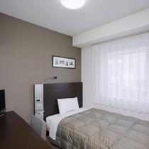 ◆シングルスタンダード◆広さ13平米◆ベッド幅123cm◆全客室サータ社製ポケットコイルマットレス♪