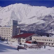 ホテル外観(冬期)古