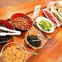 (朝食バイキング)惣菜・えのき・野沢菜