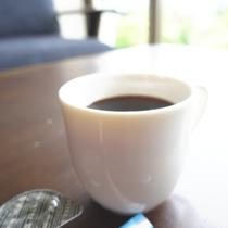 4月~11月まではロビーでモーニングコーヒーをサービスさせていただいております