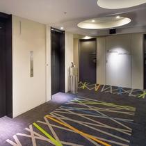 リニューアル後エレベーターホール2015年10月リニューアル